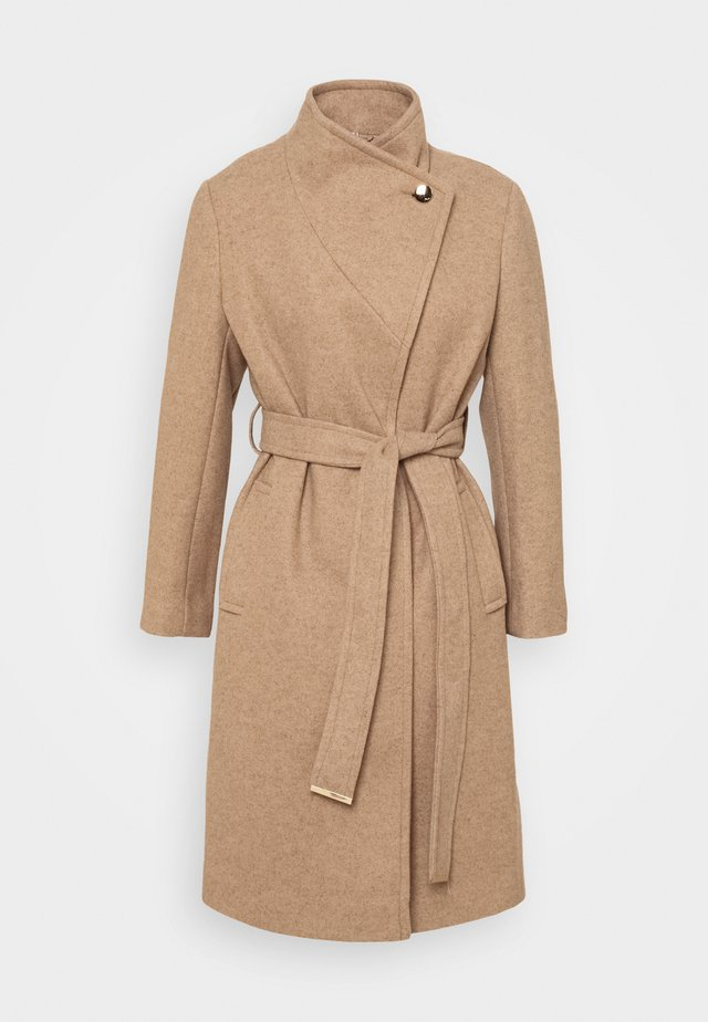 FUNNEL COLLAR BELTED COAT - Classic coat - camel