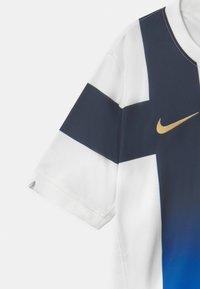 Nike Performance - FINLAND UNISEX - Oblečení národního týmu - white/truly gold - 3