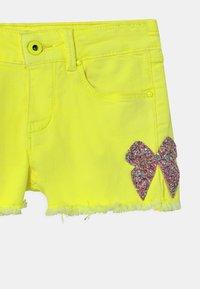 Billieblush - Denim shorts - jaune fluo - 2
