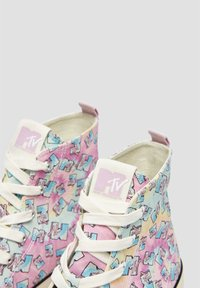 PULL&BEAR - Baskets montantes - multi coloured - 6