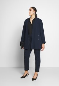 CAPSULE by Simply Be - EVERYDAY KATE TROUSER - Trousers - navy - 1