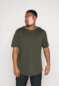 Only & Sons - ONSMATT LONGY TEE 7 PACK  - Basic T-shirt - black/white /forest - 4