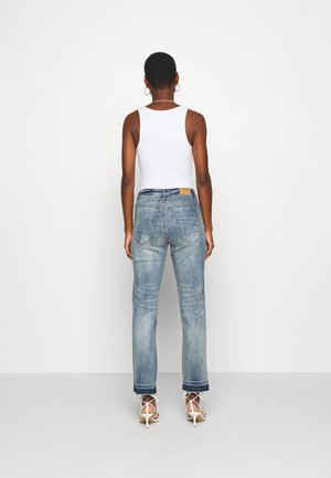SAVANNA BAIILY - Relaxed fit jeans - denim blue