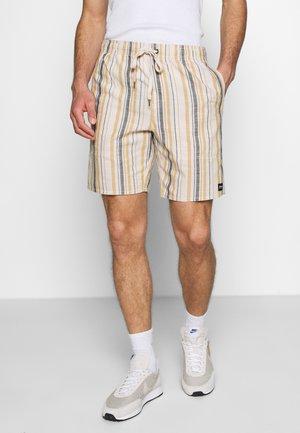 BAYWATCH MOTEL ELASTIC WAIST - Shorts - moonbeam