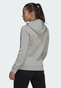adidas Performance - ESSENTIALS LOGO FLEECE HOODIE - Felpa con cappuccio - grey - 1