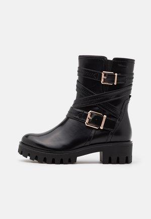 BOOTS - Cowboy/biker ankle boot - black/gold