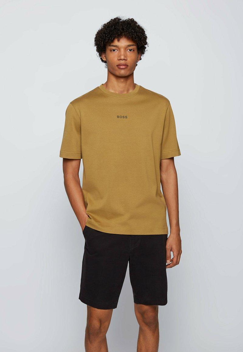 BOSS - Basic T-shirt - beige