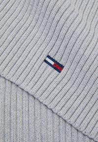 Tommy Jeans - BASIC FLAG SCARF - Szal - grey - 2