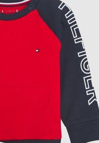 Tommy Hilfiger - BABY COLORBLOCK - Sweatshirt - blue - 2
