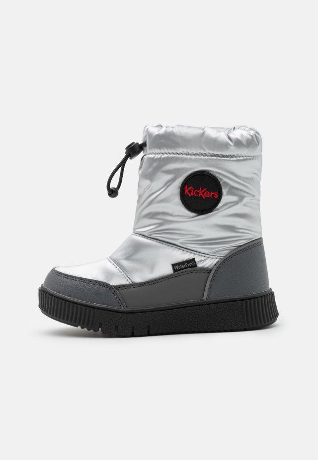 ATLAK UNISEX - Winter boots - argent