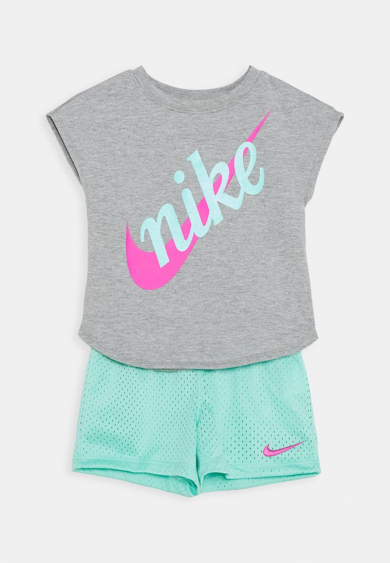 Nike Sportswear - SCRIPT FUTURA SET - Pantaloni sportivi - emerald rise