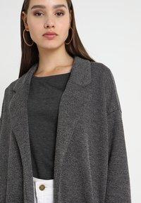 Pieces - PCDORITA COATIGAN - Short coat - dark grey melange - 4