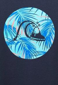 Quiksilver - JUNGLE BUBBLE  - Print T-shirt - parisian night - 2