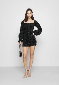 Missguided - COSTELLO TIE SLEEVE RUCHED GLITTER DRESS - Shift dress - black - 1