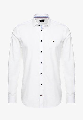CLASSIC SLIM  - Kostymskjorta - white