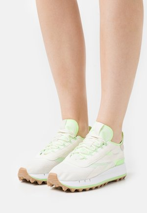 LEGACY 83 - Zapatillas - chalk/morning fog/neon mint