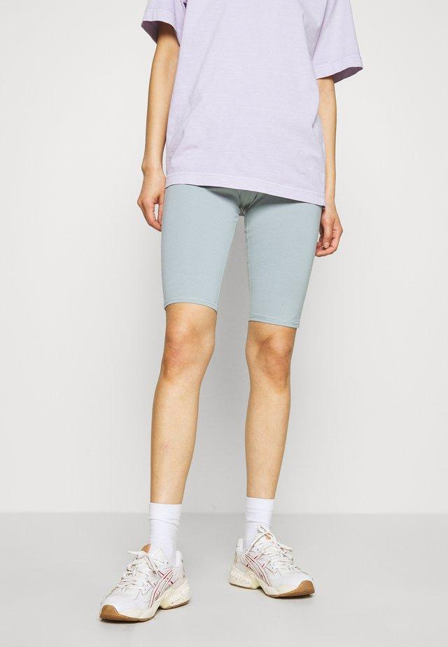 MAURICE BIKER - Shorts - turqoise dusty light