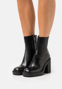 Bianca Di - Platform ankle boots - nero - 0
