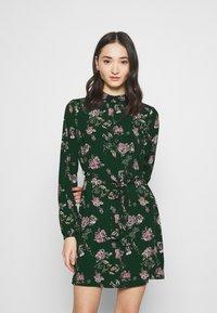 Vero Moda - Day dress - pine grove/hedvig - 0