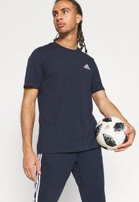 adidas Performance - ESSENTIALS - T-shirts basic - legend ink - 3