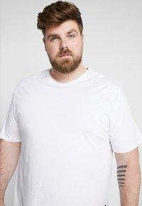 Only & Sons - ONSMATT LONGY TEE 3-PACK - Basic T-shirt - white/black/light grey melange - 3