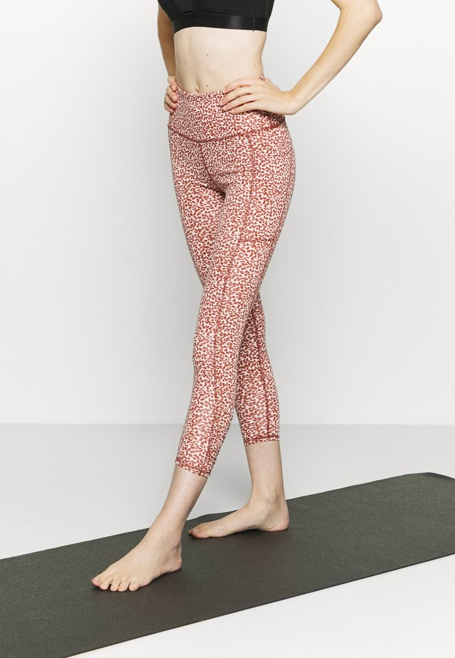 LOVE YOU A LATTE  - Leggings - red melange