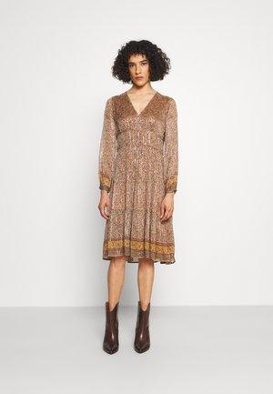 SLOANA - Day dress - ecru