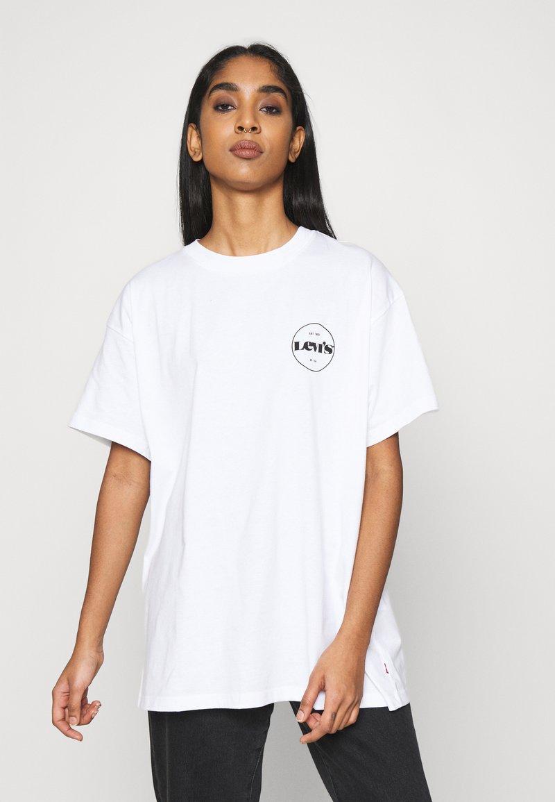 Levi's® - ROAD TRIP TEE - Print T-shirt - white