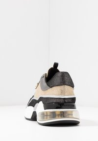 KARL LAGERFELD - LAZARE - Trainers - gold/silver - 5