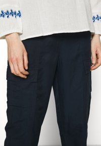 Marks & Spencer London - CARGO - Cargo trousers - dark blue - 4