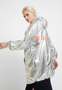 Replay - Short coat - sliver/orange - 5