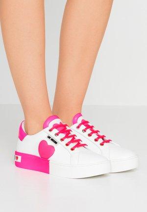 Tenisky - neon pink