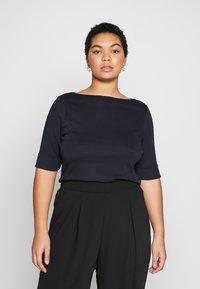 Lauren Ralph Lauren Woman - JUDY ELBOW SLEEVE - Print T-shirt - navy - 0