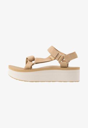 FLATFORM UNIVERSAL WOMENS - Walking sandals - lark