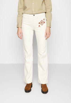 JENN FLARE - Jeans a zampa - ivory