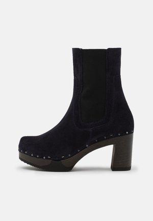 Platform ankle boots - blue