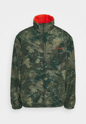 DENBY REVERSIBLE JACKET - Summer jacket - camo combi/safety orange