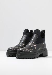 McQ Alexander McQueen - TRYB BOOT - Cowboy/biker ankle boot - black - 4