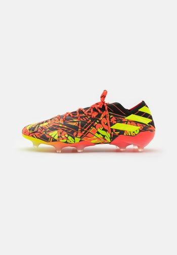 NEMEZIZ MESSI .1 FG - Voetbalschoenen met kunststof noppen - solar red/solar yellow/core black
