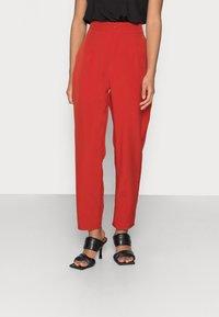 Missguided Petite - TAILORED CIGARETTE TROUSER - Trousers - orange - 0