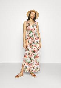 Vero Moda - VMSIMPLY EASY DRESS - Maxi dress - selma - 0