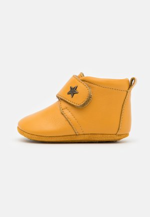 BABY STAR UNISEX - Spedbarnsko - mustard