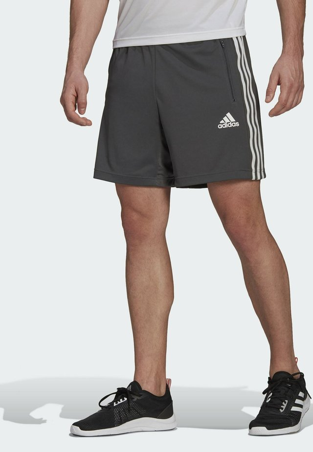 PRIMEBLUE DESIGNED TO MOVE SPORT 3-STRIPES SHORTS - Sports shorts - grey
