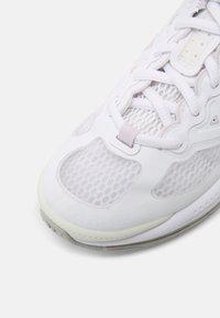 Nike Sportswear - AIR MAX GENOME UNISEX - Trainers - white/platinum/light violet/grey fog - 4