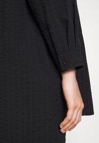Henrik Vibskov - JAR SHIRT - Camicia - black - 6