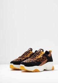 XTI - Sneakers - panama - 4