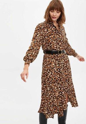 Vestido camisero - brown