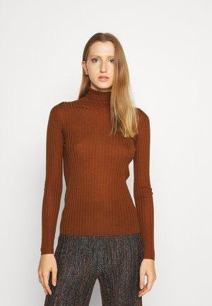 ROLL NECK - Stickad tröja - copper