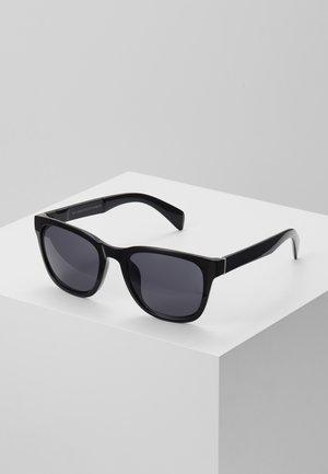 CORE RETRO - Sluneční brýle - black