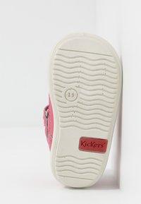 Kickers - KIKI - Zapatos de bebé - rose fonce - 5